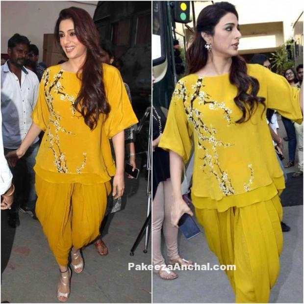 Actress Tabu in a Yellow Nikahsa outfit promoting Fitoor