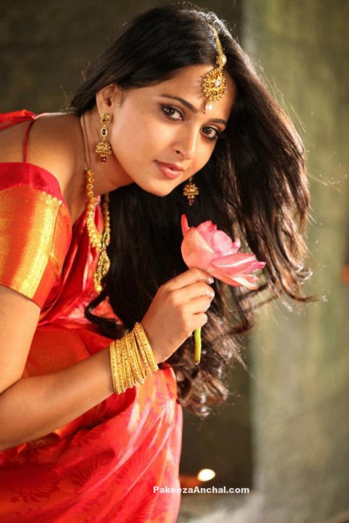 Anushka Shetty in Traditional Silk Saree & Gold Jewellery from South India PakeezaAnchal.com