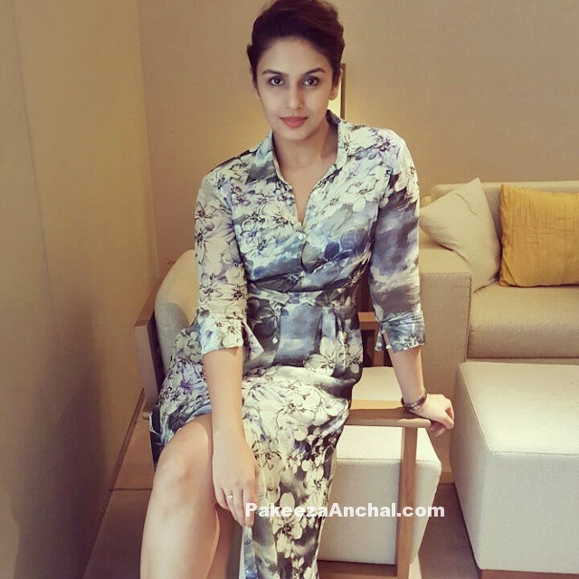 Huma Qureshi UNseen Pictures without Make up in Varun Bahl Maxi Dress-PakeezaAnchal.com