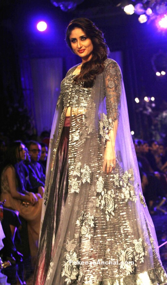 Kareena Kapoor in Metallic Purple Lehenga with Grey Dhades at the Lakme Fashion Week-PakeezaAnchal.com