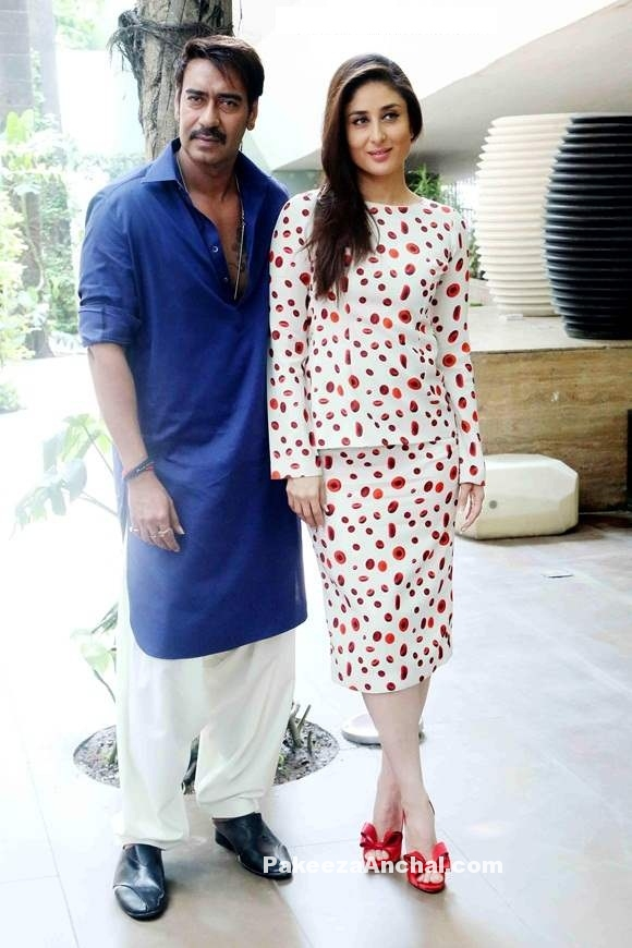 Kareena Kapoor in White Skirt designed Ashish N Soni with Red Valentino pumps-PakeezaAnchal.com
