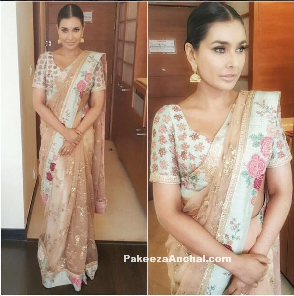 Lisa Ray in Floral Saree Blouse Design by Sabyasachi-PakeezaAnchal.com