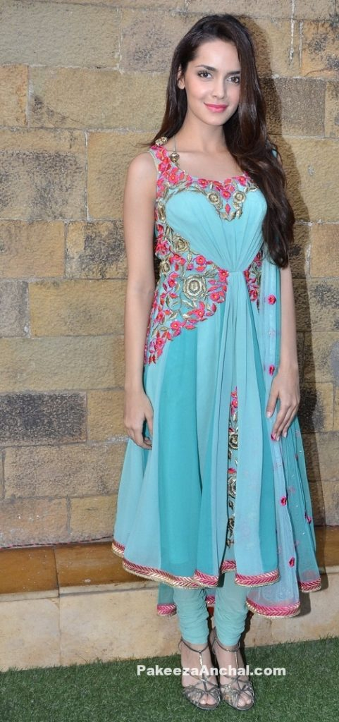 Shazahn Padamsee in Blue Floral Sleeveless Anarkali Salwar kameez with Open Neck Pattern-PakeezaAnchal.com