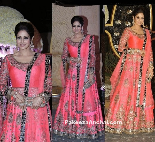 Sridevi in Pink Lehenga at Riddhi Malhotra & Tejas Talwalkar's wedding reception-PakeezaAnchal.com