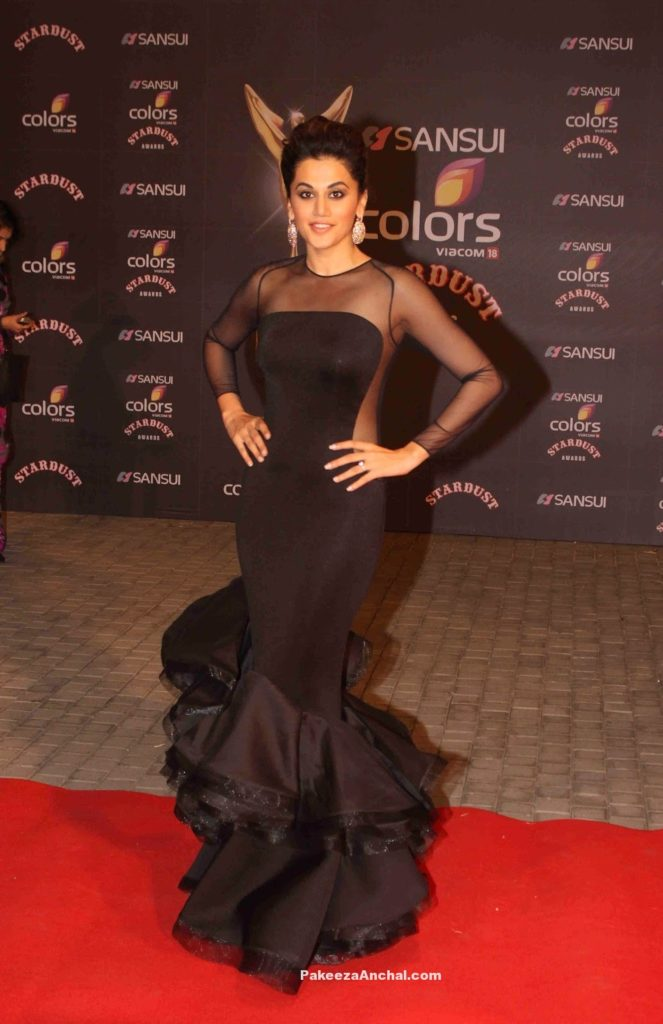 Tapsee Pannu in Nikhita Tandon Black Mermaid Gown at Stardust Awards-PakeezaAnchal.com