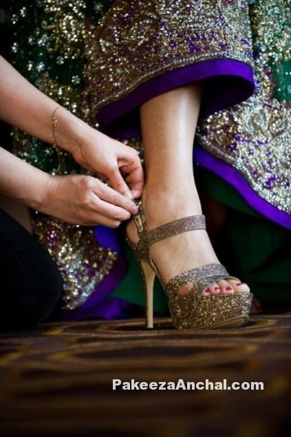 Types of Footwear Heels which can be worn with Saree-3-PakeezaAnchal.com.jpg