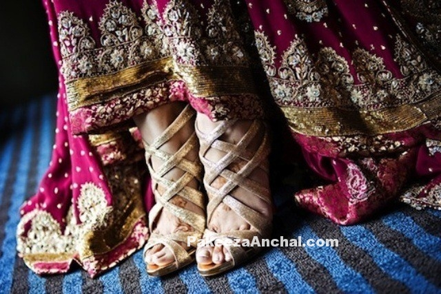 Types of Footwear Heels which can be worn with Saree-PakeezaAnchal.com