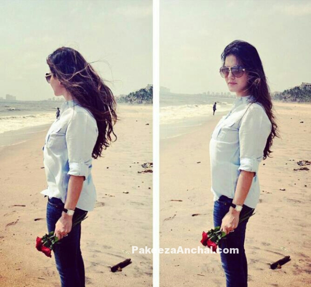 Unseen, Uncensored, Live Pictures of Sunny Leone at Beach-PakeezaAnchal.com